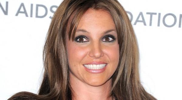 Oscars-2013-Britney-Spears-Debuts-Brunette-Hair-Photo