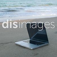 DIS Magazine: Battery Life Sightseeing