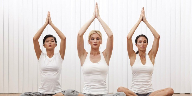 women-doing-yoga-1024x682-800x400