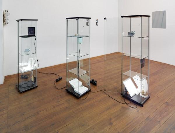 Yuri Pattison, Architectures of Credibility, H.M Klosterfelde, Berlin, 2015.