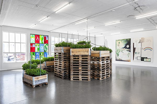 Christine Ödlund, Tower of Eukaryote, 2015 Stinging nettles, pallets, soil, watering system, butterfly larvae. Courtesy of the artist Photo: Vegard Kleven © Punkt Ø/ Momentum